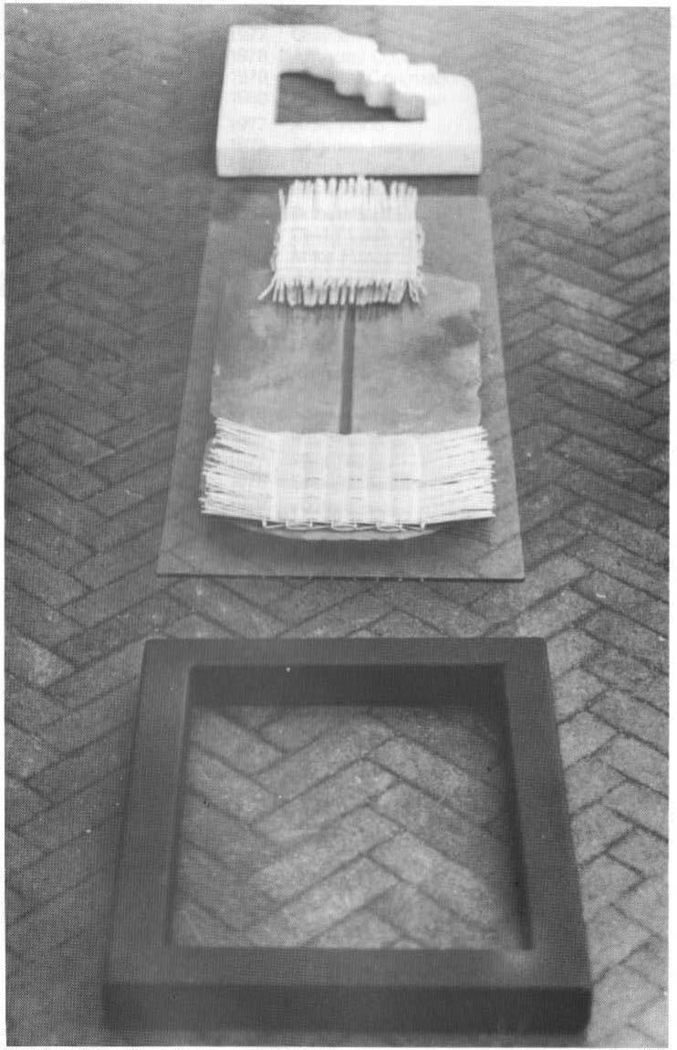 Tom Fitzgerald, Leaba Dhiarmada agus Ghrainne (II), marble, steel, slate, glass and raffia, 6 x 225 x 42 cm